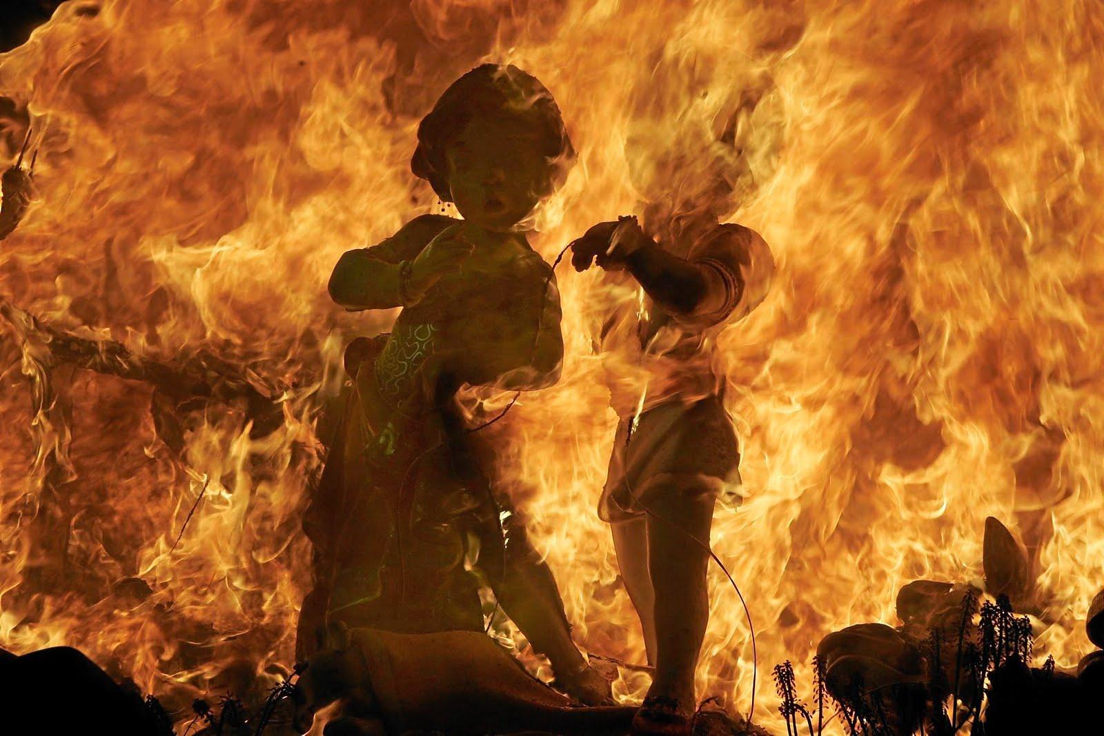 El ritual del fuego en la fiesta valenciana