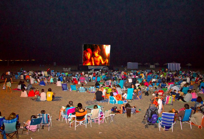El cine de verano GRATUITO en las playas de Valencia 2017 continúa en agosto