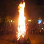 Nochevieja en Patraix: uvas y cava, hoguera, fuegos artificiales, música y torrà para finalizar la fiesta