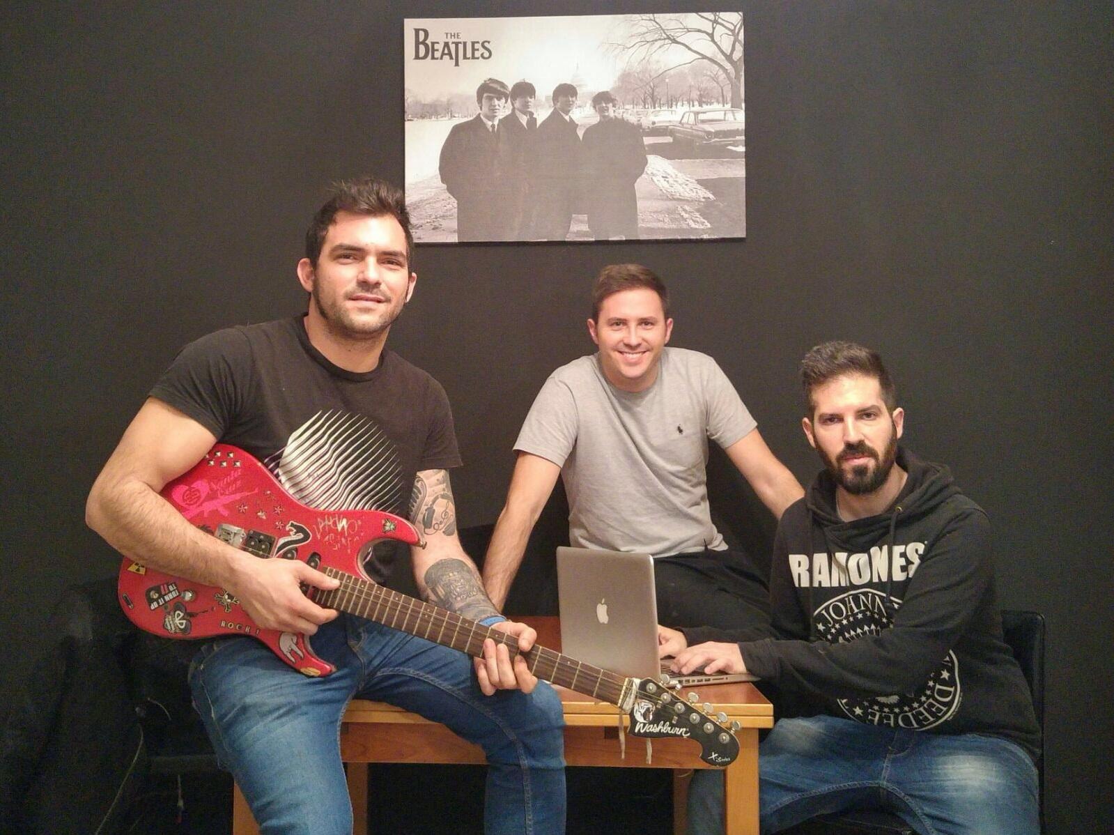 Tres valencianos triunfan con su plataforma lanzadera músical