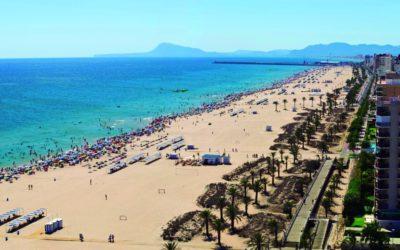 Cullera y Gandia cierran sus playas ante la llegada masiva de personas llegadas de otras comunidades