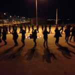 """Danzar para quedarse """"a la luna de Valencia"""" en el Paseo Marítimo de la Patacona"""