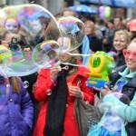 Valencia se llenará de pompas de jabón con la Global Bubble Parade este domingo 29 de mayo