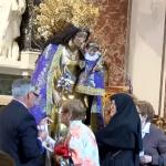 La Basílica permanecerá abierta para el besamanos a la Virgen hasta que pase la última persona