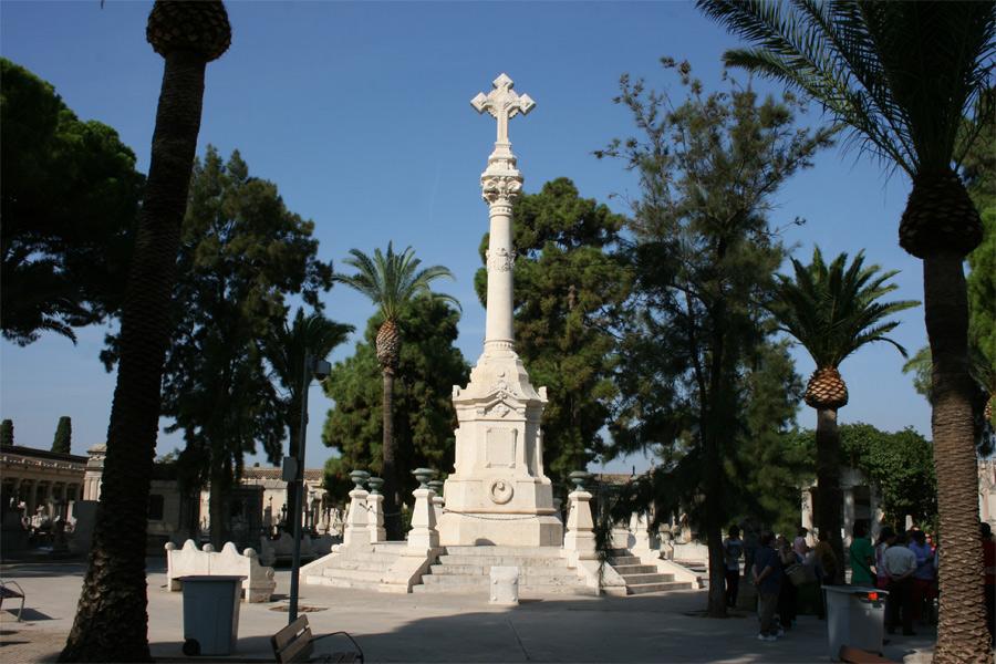 Un monumento que recuerda a las víctimas del cólera en Valencia