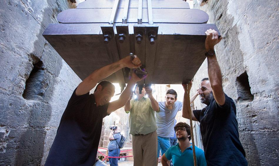 """Los campaneros del Micalet siguieron ayer la costumbre medieval del """"repret"""" de San Lorenzo"""
