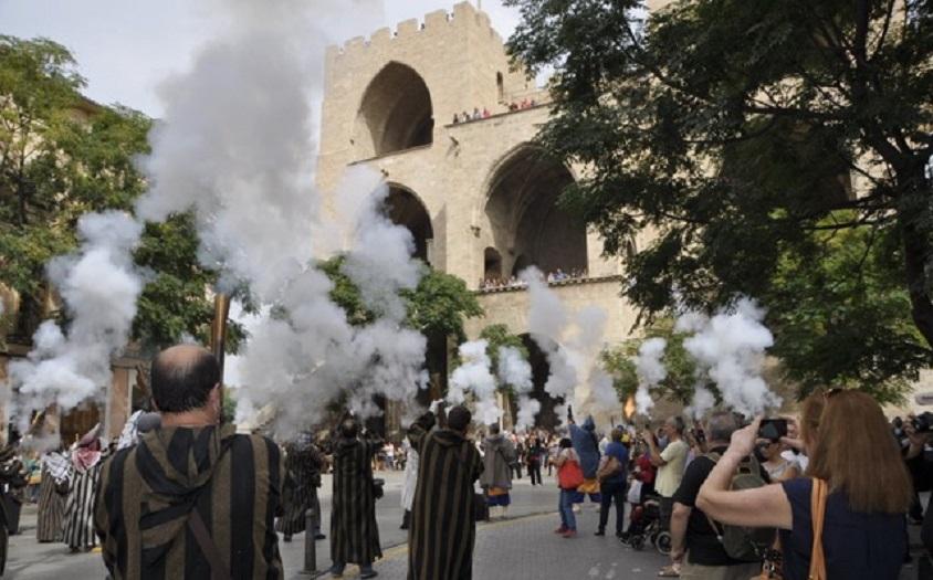 Valencia vive su gran Entrada de Moros y Cristianos el 9 de Octubre