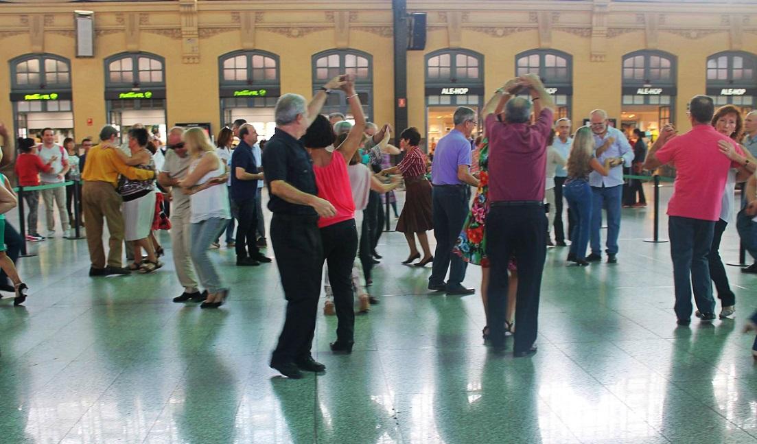 Swing, lindy hop, jotas, malagueñas y zumba: cuatro días para no parar de mover el cuerpo