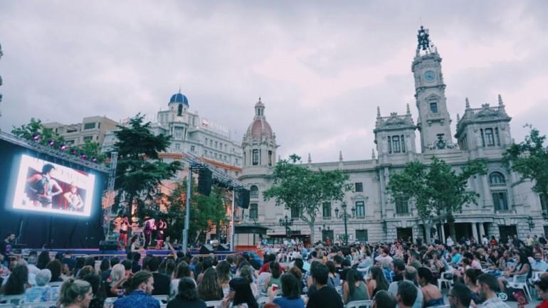 Cine karaoke en la plaza del Ayuntamiento de Valencia este fin de semana