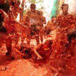 Buñol celebra un adelanto de la Tomatina este sábado que incluye paella, sangría y tardeo