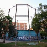 El gasómetro del jardín del Parque Gas Lebon de Valencia
