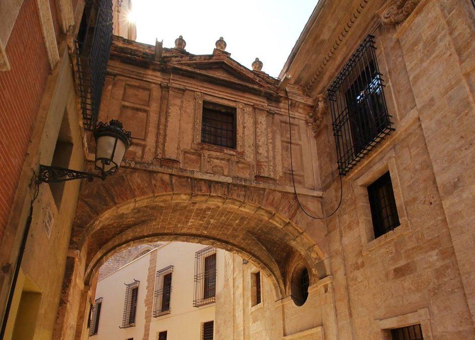 El arco de la calle Barchilla, inspirado en un diseño de Miguel Angel, se abre al público