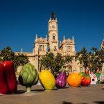 Las frutas y hortalizas gigantes de #HortAttack regresan al centro de Valencia