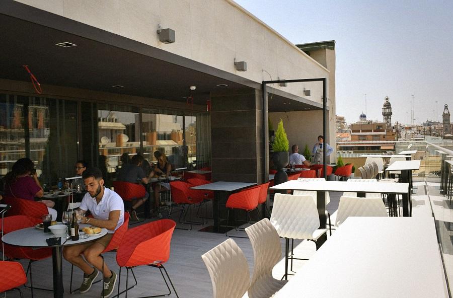 El gastromercado de La Plaça Gastro Mercat de El Corte Inglés llega a Valencia