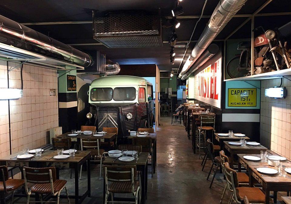 Nº5 Burger Garage, el primer restaurante de España inspirado en un taller de los años 70