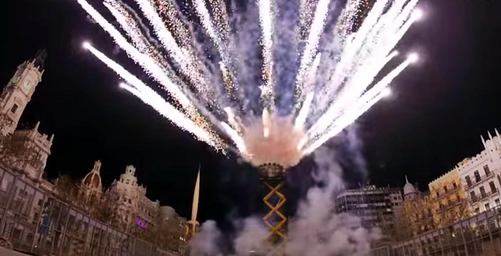 La Nit de l'Alba de les Falles prepara sorpresas y más de 300 castillos fuegos artificiales a la vez