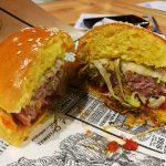 Lamburguesa crea una hamburguesa fallera como homenaje a las Fallas