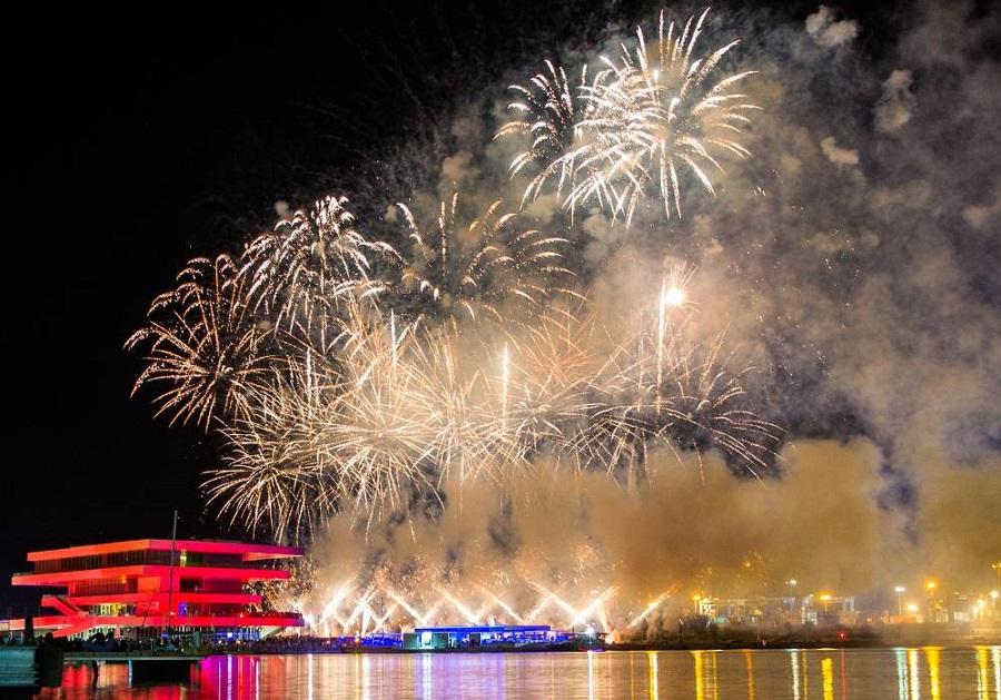 Valencia se llenará de música y pólvora en Nochevieja junto al mar