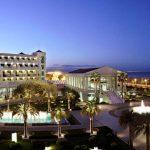 Los jardines del Hotel Las Arenas de Valencia acogen este verano un mercado gastronómico