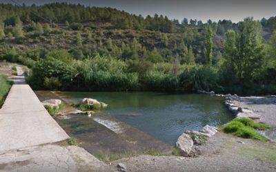 Fotografía de una parte de una de las zonas de baño y ocio del paraje El Molino de Cirat.