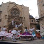 Bailes regionales valencianos todos los domingos en la plaza de la Virgen