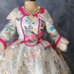 Gran exposición GRATUITA de trajes regionales en miniatura
