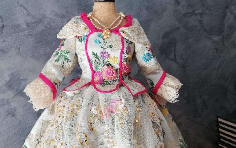 Gran exposición de trajes regionales en miniatura en Valencia capital