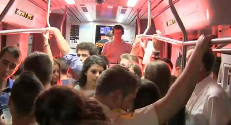 Un vagón de Metrovalencia se convierte en discomóvil este sábado noche