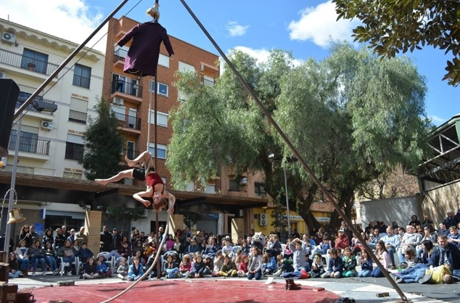 La Feria GiroscòPICA llena de teatro, danza y circo las calles y plazas de Picanya