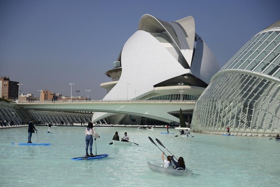 Los Kayaks Barcas Y Waterbikes Regresan A La Ciudad De Las Artes Y Las Ciencias