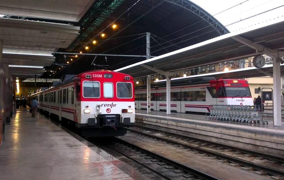 La tarjeta única para viajar en metro, autobús y cercanías de Renfe en Valencia, cada vez más cerca