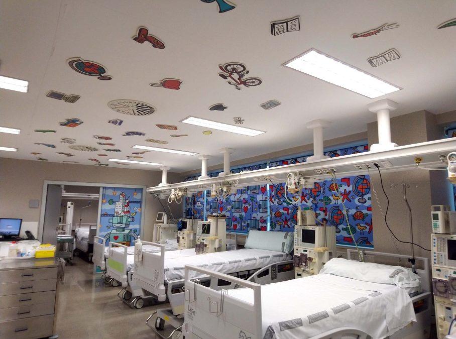 El Servicio de Nefrología pediátrica del Hospital La Fe decora sus salas para los peques