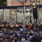 La tradicional Ronda a la Mare de Déu llenará de música popular la plaza de la Virgen