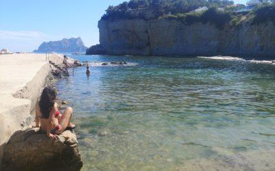 La preciosa Cala Advocat, una cala de aguas cristalinas en Benissa