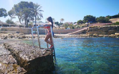 Cala L´Andragó, un bello rinconcito con aguas transparentes en Moraira