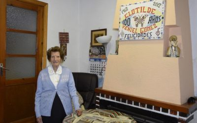 Clotilde, la valenciana de 107 años, recibe la Orden del Mérito Civil de manos del Rey de España