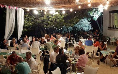 Cena bajo las estrellas este verano con sesiones acústicas en directo en plena Serra Calderona