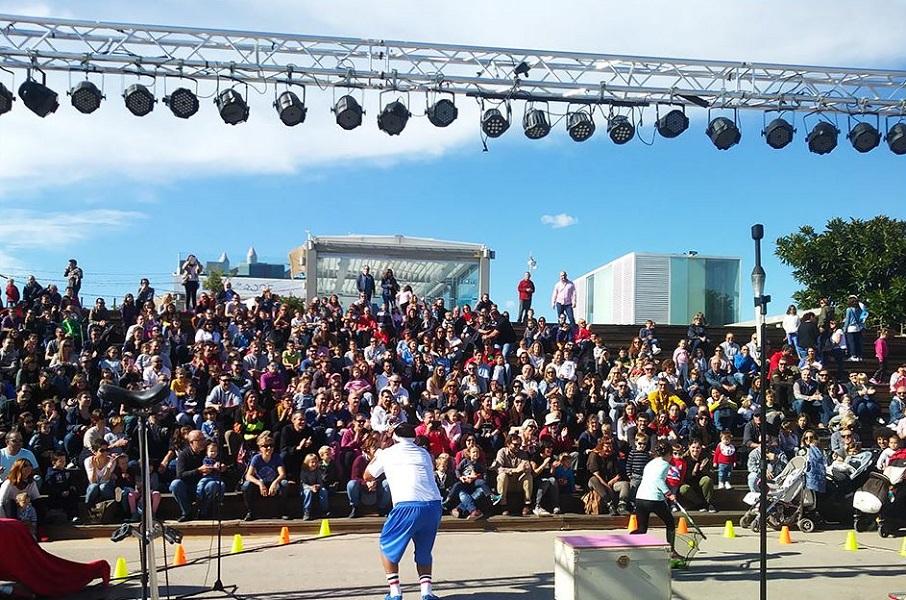 Circ Voramar 2019, un festival de circo abierto y gratuito junto al mar