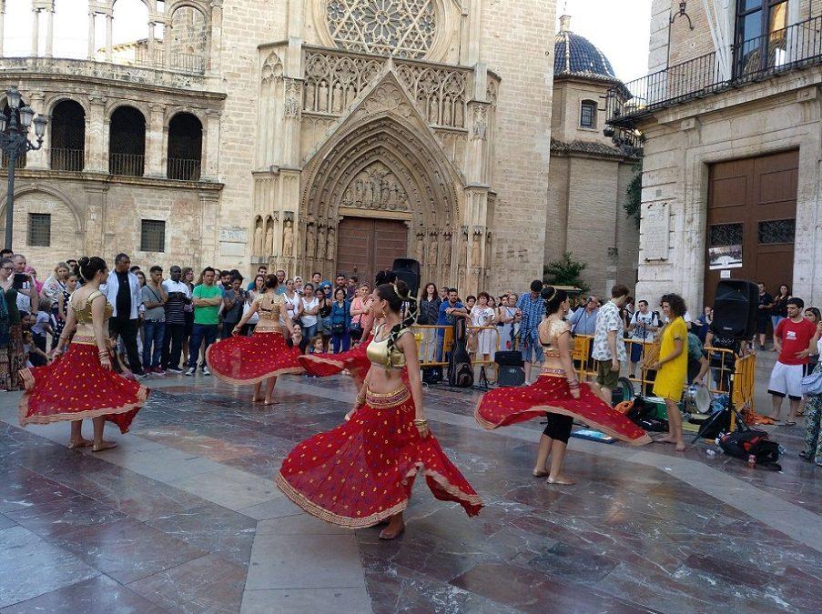 Valencia celebra el Día de América 2019 en la plaza de la Virgen con diversas actividades