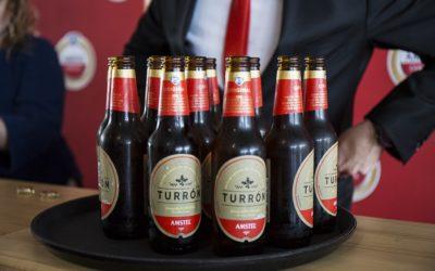 Amstel Turrón, la primera cerveza de edición limitada para reconocer a los 'mestres' valencianos