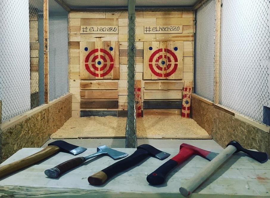 El Hachazo, la primera sala de tiro de hacha de España, llega a Valencia