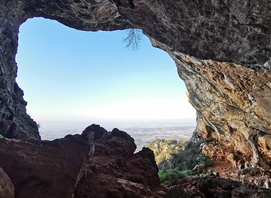 La Senda de los Íberos, una ruta que conduce a la espectacular Cova Bolumini