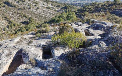Las sepulturas romanas excavadas en la roca del Mas del Pou
