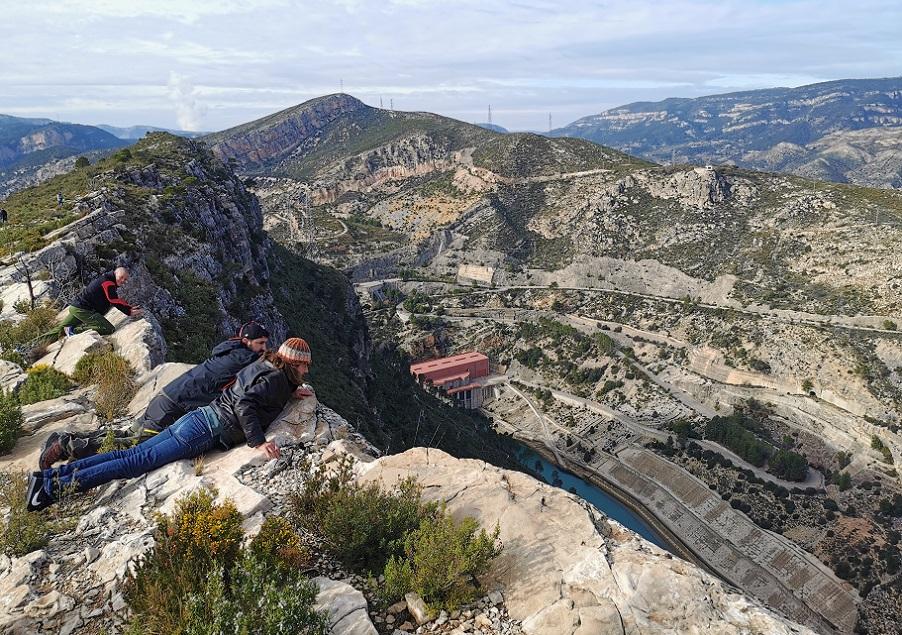 La muralla de Bujete, el impresionante mirador de Cortes de Pallás para ver Rambla Seca