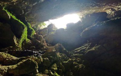 La Cueva del Pueblo, una cueva que puede pasar desapercibida junto al cementerio de Sacañet