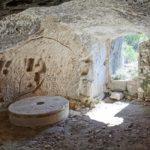 El Molino Rupestre del Pantanet y los graffitis rupestres del Molino, un lugar mágico