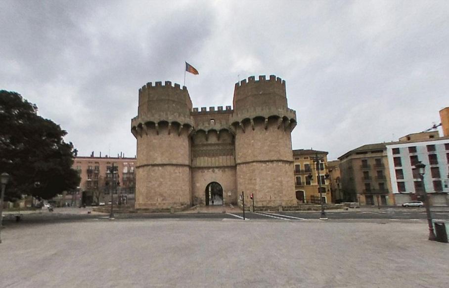 El centro de Valencia se vacía: fotos y cámaras en directo que muestran parte de una ciudad desierta