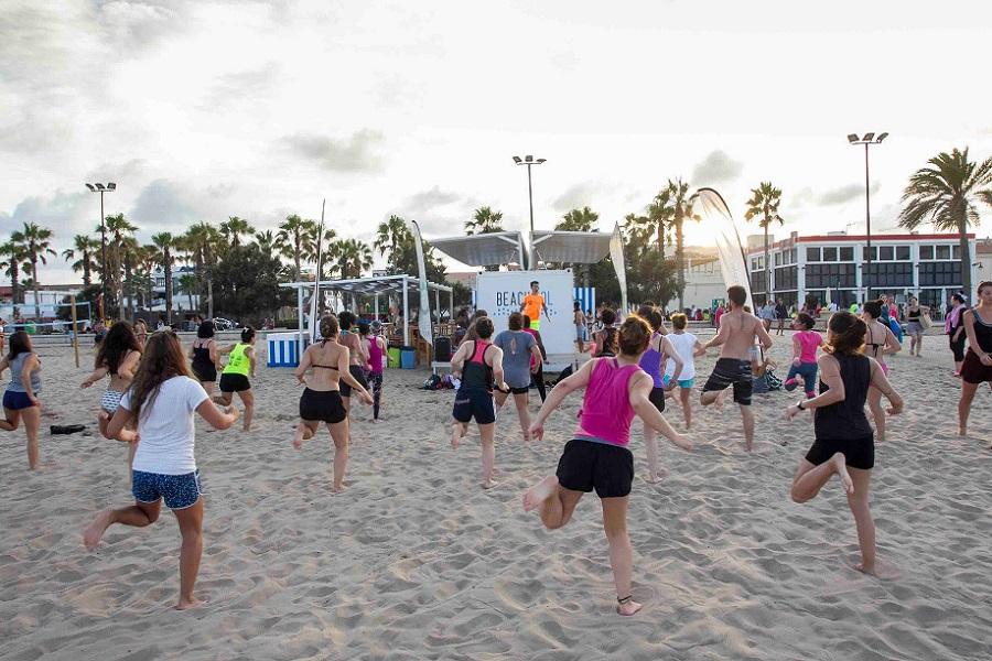 Regresan las actividades GRATUITAS de verano para practicar ejercicio físico en la playa en Valencia