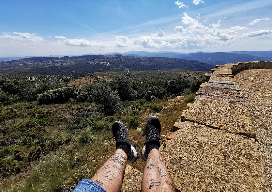El espectacular mirador, con vistas de 360 grados, de la ermita de San Cristóbal de Benassal