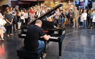 Pianos en las calles de Valencia para celebrar el 125 aniversario de José Iturbi